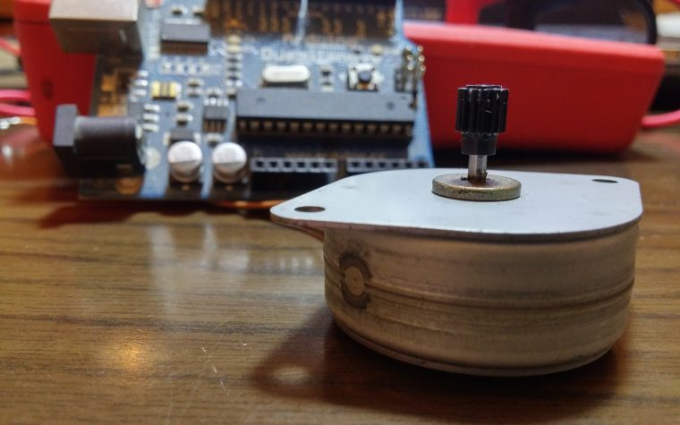 Stepper motor: come funzionano, come si riconoscono e come individuare le fasi.